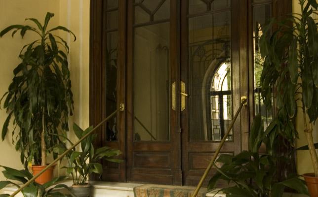 Hall del edificio de Clínica Zafra